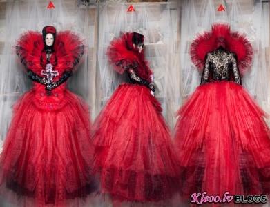 Apģērbu dizainere  Alice LA Neoronova .