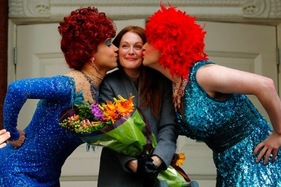 Julianne Moore saņem Hasty Pudding Club's 2011 Woman Of The Year.