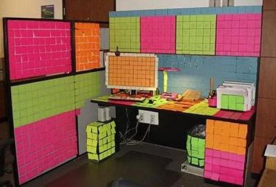 Ofisa vietas, ko pārveidoja mīļi darba kolēģi