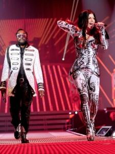 Black Eyed Peas joprojām ieroko!