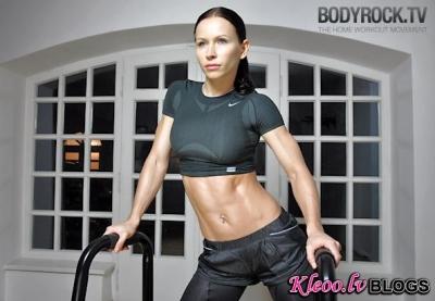 Fitnesa treniņš. 400 atkārtojumu uzdevums - 2. Nedēļa. Vingrojam mājās! (VIDEO)