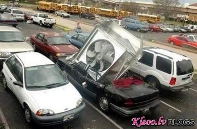 Ekstremālas un smieklīgas mašīnu avārijas