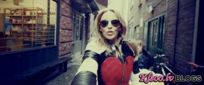 Kylie Minogue – Timebomb.