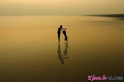 Fotogrāfs Kittiwut Chuamrassamee .