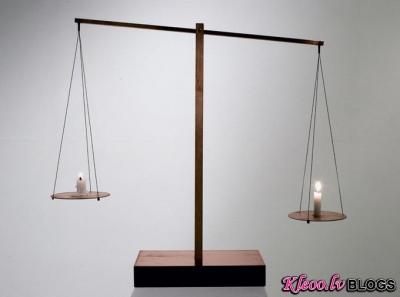 Mūsdienīgais mākslinieks Myeongbeom Kim.