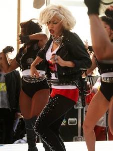 Christina Aguilera Ņujorkas ielās!