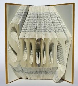 Isaac Salazar grāmatu skulptūras.