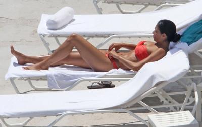 Nicole Scherzinger – sauļojas Francijā