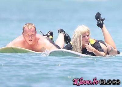 Леди Гага предстала без макияжа