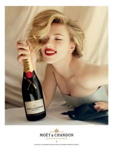 Scarlett Johansson un viņas iekšējā Marilyn Monroe!