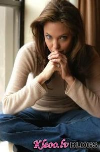 Джоли выбрала название для своего фильма