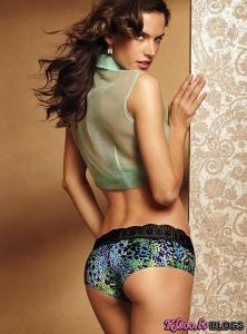 Alessandra Ambrosio – Victoria's Secret veļas foto sesija