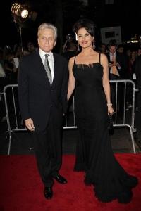 Майкл Дуглас пришел на премьеру фильма «Уолл стрит 2»