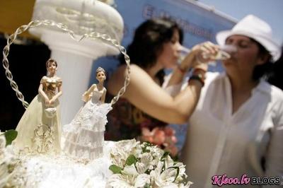Во Франции протестуют против легализации однополых браков