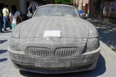Кирпичный BMW стоит дороже, чем настоящий