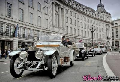 Rolls-Royce parāde Londonā.