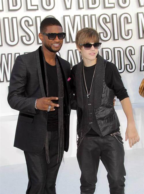 Usher and Justin Bieber.jpg