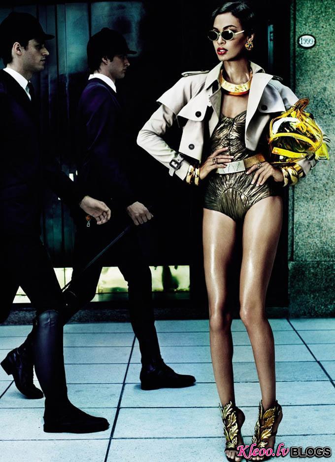 Joan-Smalls-Mario-Testino-Vogue-Brasil-02.jpg