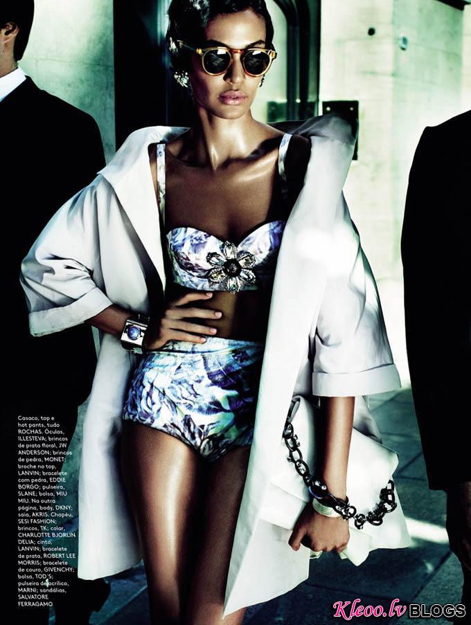 Joan-Smalls-Mario-Testino-Vogue-Brasil-04.jpg