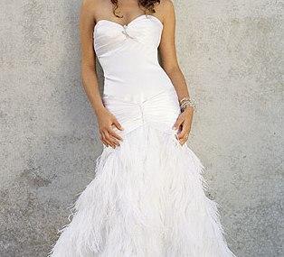 Kāzu kleitas :mode 2010   Spalvota kāzu kleita