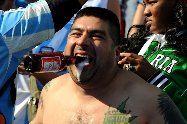 world_cup_2010_fans_argentina01.jpg