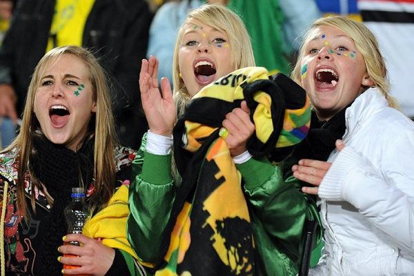 world_cup_2010_fans_brazil01.jpg