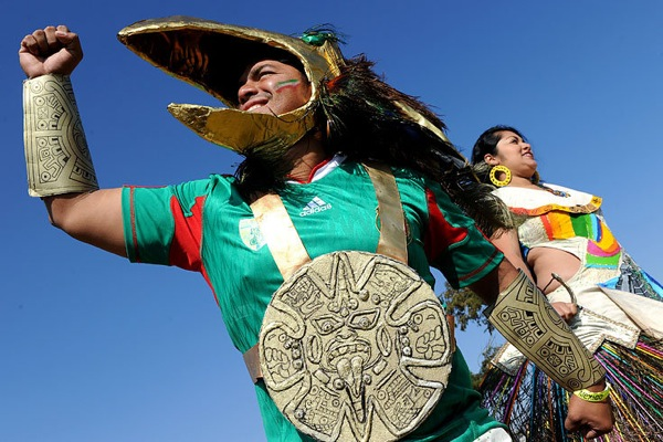 world_cup_2010_fans_mexico04.jpg