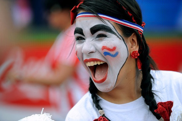 world_cup_2010_fans_paraguay02.jpg