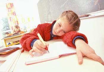 Pirmklasnieka veselība: pirmais skolas gads bez slimībām un stresiem