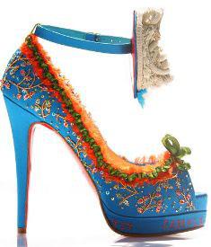 Karaliskie apavi no Christian Louboutin un Lesage
