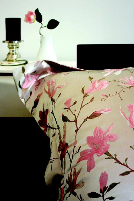 Jaunā zīda gultas veļa no Yves Delorme