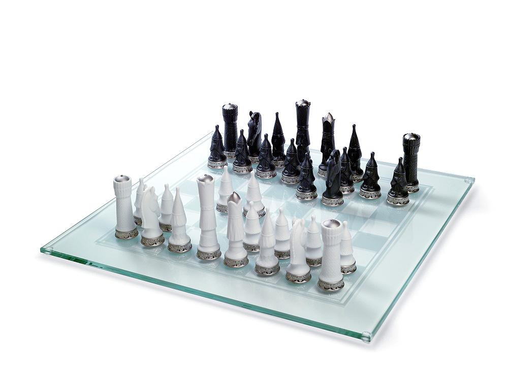 Kompānijai Lladru izveidoja šahu Re-decu