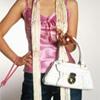 Desmit lietas, kam noteikti jābūt sievietes somiņā!