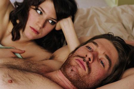 Trešais lieks? Grupveida sekss ar tavu puisi un tavu draudzeni!