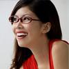 Kā izvēlēties makijāžu tām, kuras nēsā brilles?