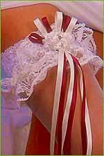 Līgavas lente ap kāju