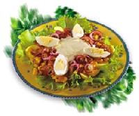 Salāti moldāvu gaumē ar kukurūzu un šampinjoniem