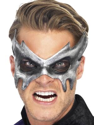 Fantoma acu maska