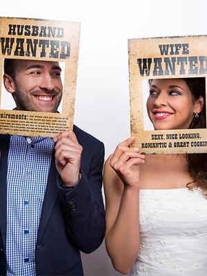 2 gab, Foto atribūtika Husband and Wife Wanted, 32 x 24 cm