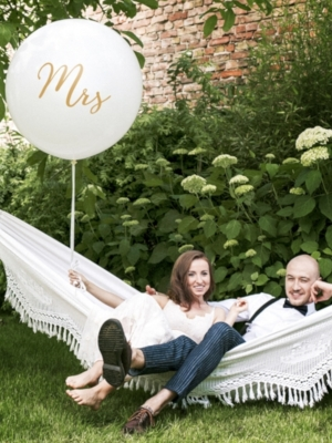 1 metra balons Mrs, balts ar zeltu