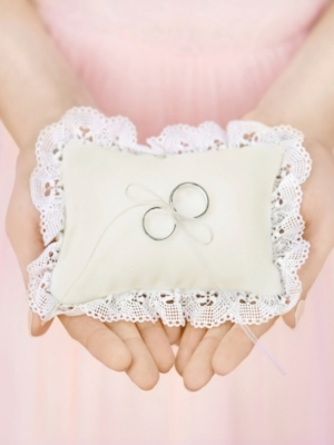 Ring bearer pillow, cream, 10 x 13 cm
