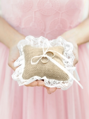 Ring bearer pillow, jute, 10 x 10 cm