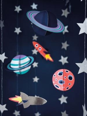 5 gab, Piekaramais papīra dekors Kosmoss