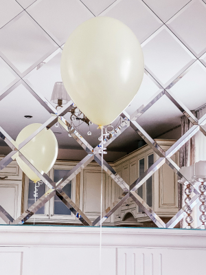 Latex balloon with helium, 30cm