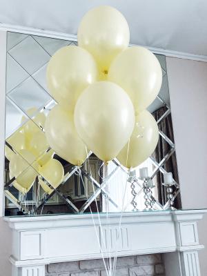 Seven latex balloons with helium, 30cm