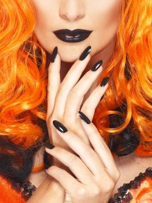 Lūpukrāsa un nagu laka,melna