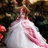 Kaut kas uz šo pusi - kāzu kleitas!
